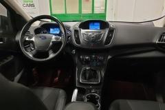 Ford Kuga 2.0 TDCi 103 kW 4x4 Titanium palubní deska