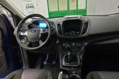 Ford Kuga 2.0 TDCi 110 kW 4x4 Individual interiér