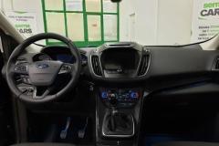 Ford Kuga 2.0 TDCI 110 kW Titanium interiér