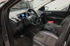Ford Kuga 2.0 TDCI 110kW Titan 4x4 Aut 2015 předek interier