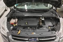 Ford Kuga 2.0 TDCI 110kW Titan 4x4 Aut 2015 předek motor