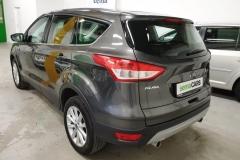 Ford Kuga 2.0 TDCI 110kW Titan 4x4 Aut 2015 předek zadek
