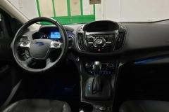 Ford Kuga 2.0 TDCI 120 kW Indiviual 4x4 interiér