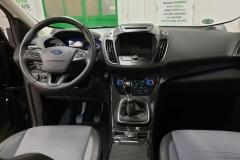 Ford Kuga 2.0 TDCi 132 kW 4x4 Titanium interiér1