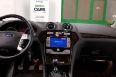 Ford Mondeo 2.0 TDCi 103 kW Ghia 2008 palubní deska