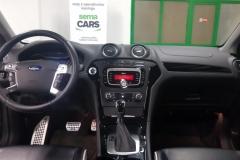 Ford Mondeo 2.2 TDCi 147 kW Aut Titanium 2014 palubní deska