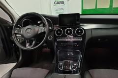 Mercedes-Benz C 220 CDi 125 kW Aut palubní deska