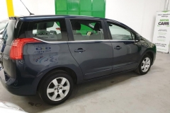Peugeot 5008 1.6 HDI 84 kW Business 2014 bok