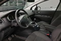 Peugeot 5008 2.0 HDI 110 kW Business 2014 palubní deska