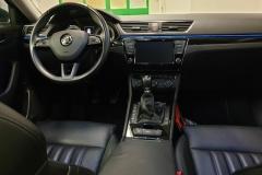 Škoda Superb 2.0 TDI 110 kW L&K palubní deska