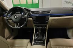 Škoda Superb 2.0 TSI 206 kW DSG 4x4 L&K interiér