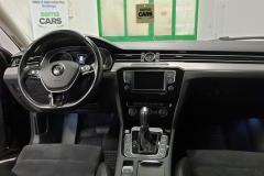 Volkswagen Passat 2.0 BiTDi 176 kW DSG Highline 4x4 palubní deska