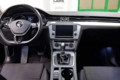Volkswagen Passat 2.0 TDI 140 kW DSG 2015 palubní deska