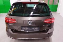 Volkswagen Passat 2.0 TDI 140 kW DSG Highline 2015 zadek