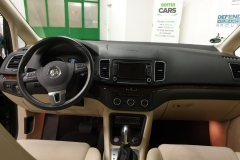 Volkswagen Sharan 2.0 TDI 130 kW DSG Highline interiér
