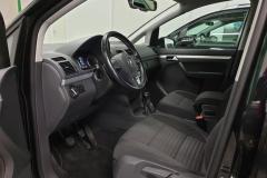 Volkswagen Touran 2.0 TDI 103 kW CUP 2014 černý interier