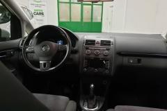 Volkswagen Touran 2.0 TDI 103 kW DSG Highline 2014 palubní deska