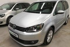 Volkswagen Touran 2.0 TDI 103 kW Life 2013 předek