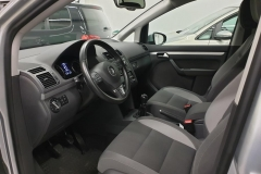 Volkswagen Touran 2.0 TDI 103 kW Life 2013 palubní deska