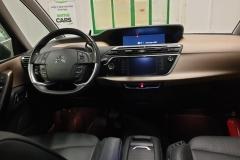 Citroën C4 Picasso 2.0 HDI 110 kW Exclusive AUT interiér