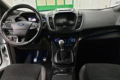 Ford Kuga 2.0 TDCi 110 kW AWD ST-Line interiér