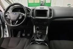 Ford S-MAX 2.0 TDCI 110 kW AWD Titanium interiér