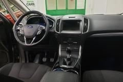 Ford S-MAX 2.0 TDCi 110 kW Titanium SYNC3 interiér